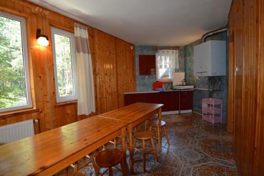 Kuchnia w domu letniskowym dla 9 - 16 osób w Pobierowie